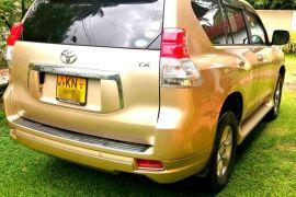 Toyota Land Cruiser Prado TX (TRJ 150) 4x4 suv