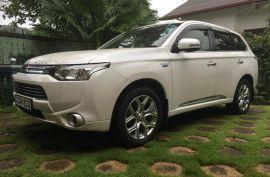 Mitsubishi Outlander PHEV G Navi 2014 SUV